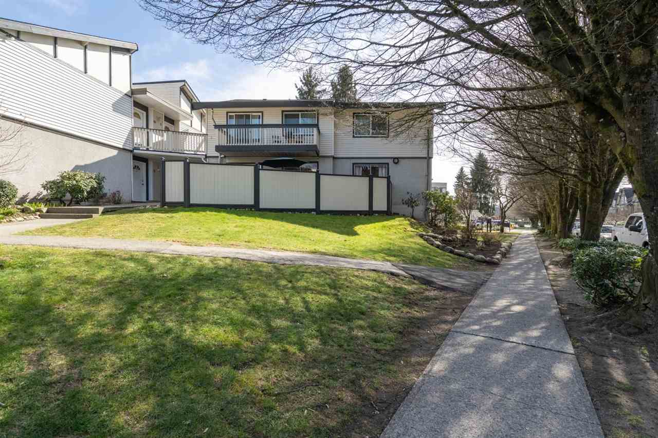 FEATURED LISTING: 3 822 PREMIER Street North Vancouver