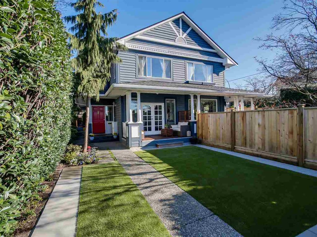 Main Photo: 408 W 6th Street in North Vancouver: Lower Lonsdale House Triplex for sale : MLS® # R2051728