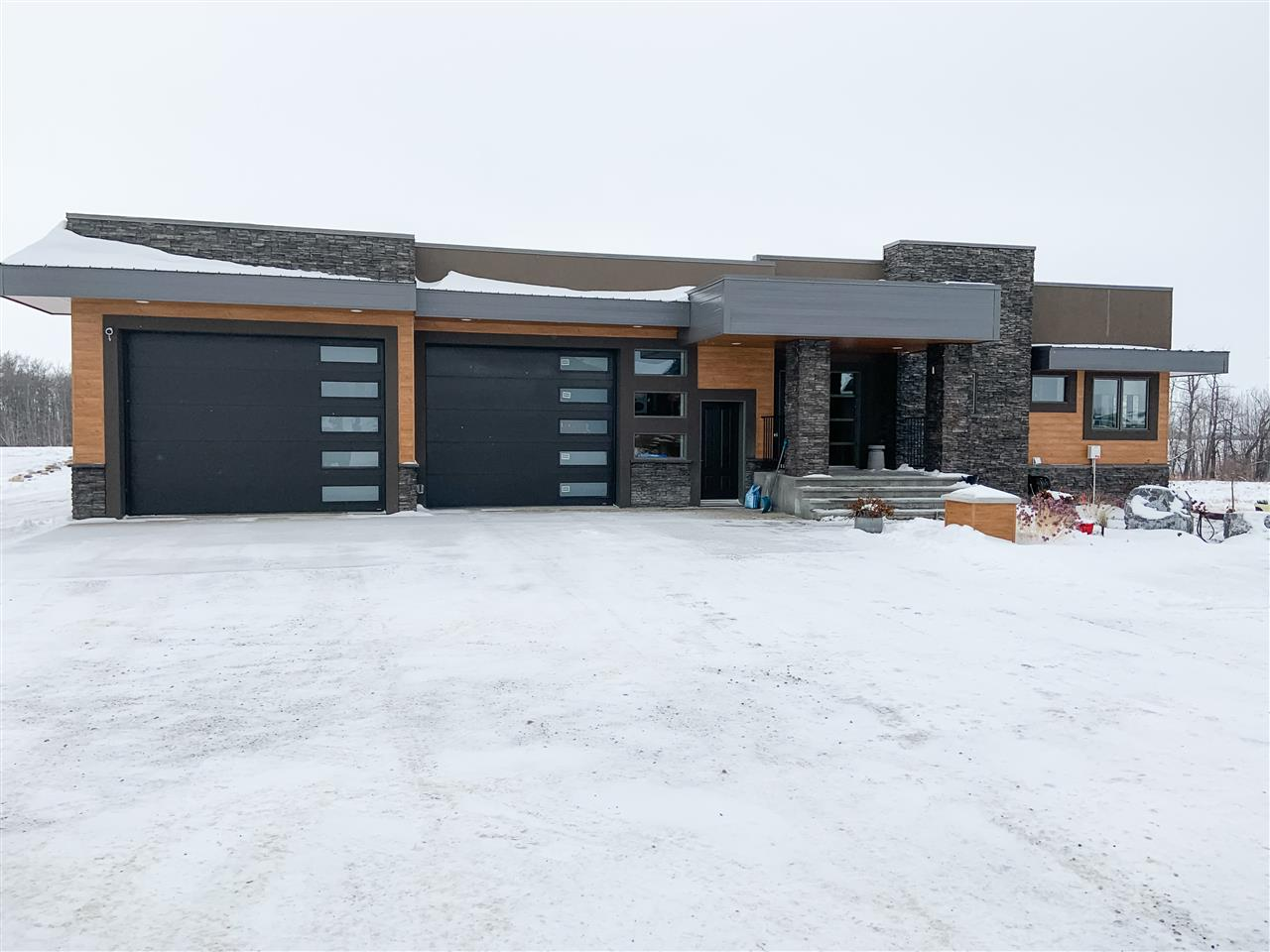 FEATURED LISTING: 290B 50054 Range Road 232 Rural Leduc County