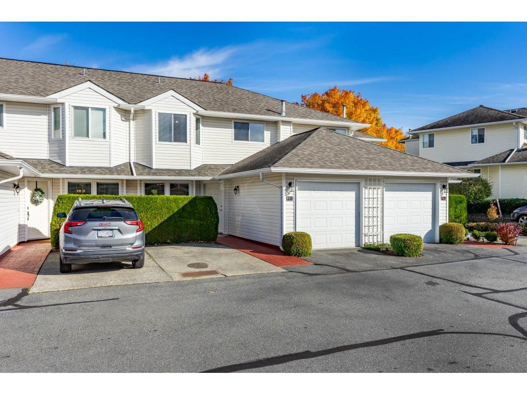 FEATURED LISTING: 28 - 21928 48 Avenue Langley