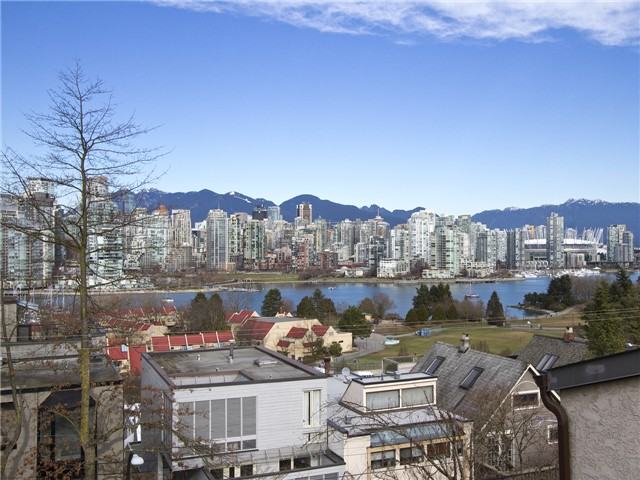 Main Photo: 4 1040 W 7th Avenue in Vancouver: Fairview VW Townhouse for sale (Vancouver West)  : MLS® # V1047822
