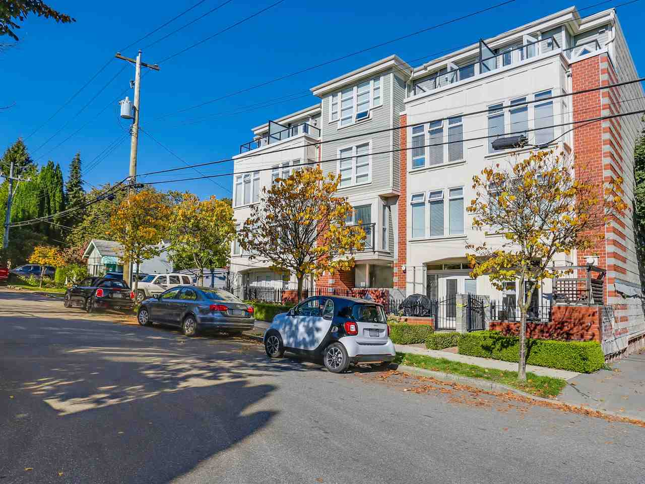 FEATURED LISTING: 203 - 3637 17TH Avenue West Vancouver
