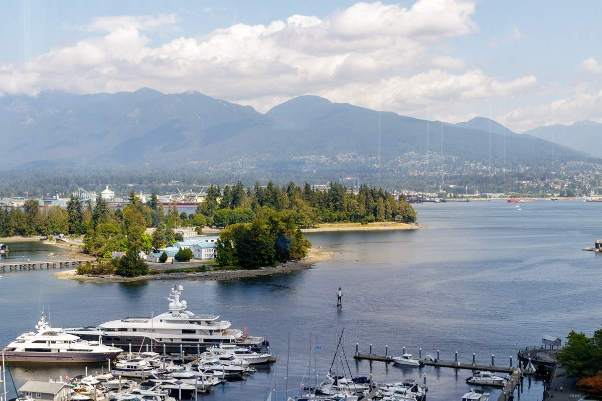 FEATURED LISTING: 1603 - 555 JERVIS Street Vancouver