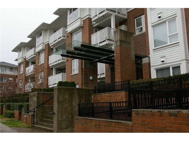 FEATURED LISTING: 408 - 4783 DAWSON Street Burnaby