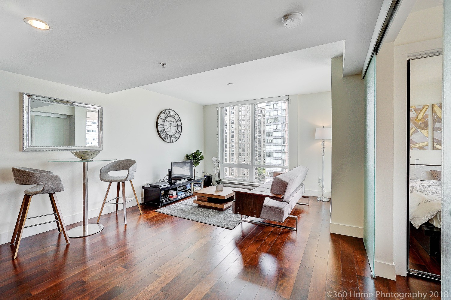 FEATURED LISTING: 565 Smithe Vancouver