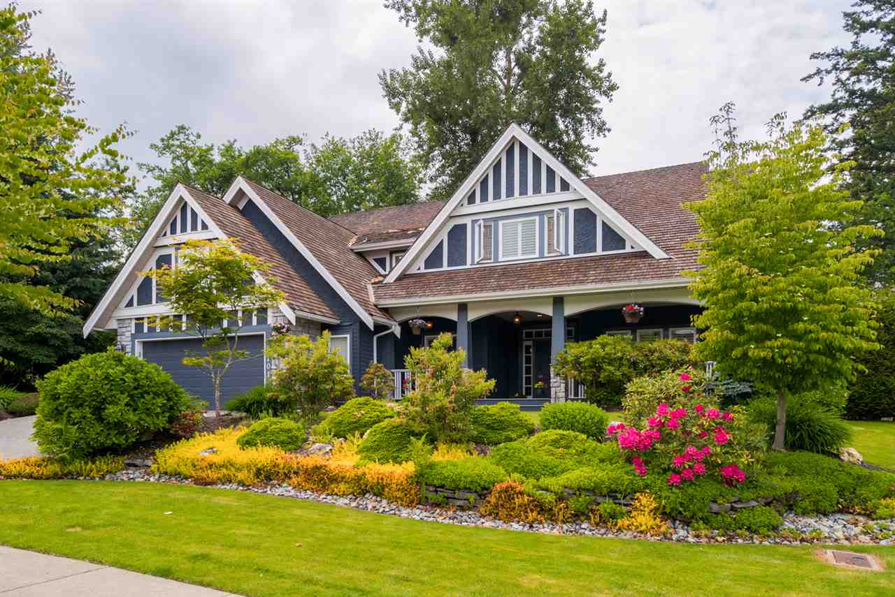 FEATURED LISTING: 3701 DEVONSHIRE Drive Surrey