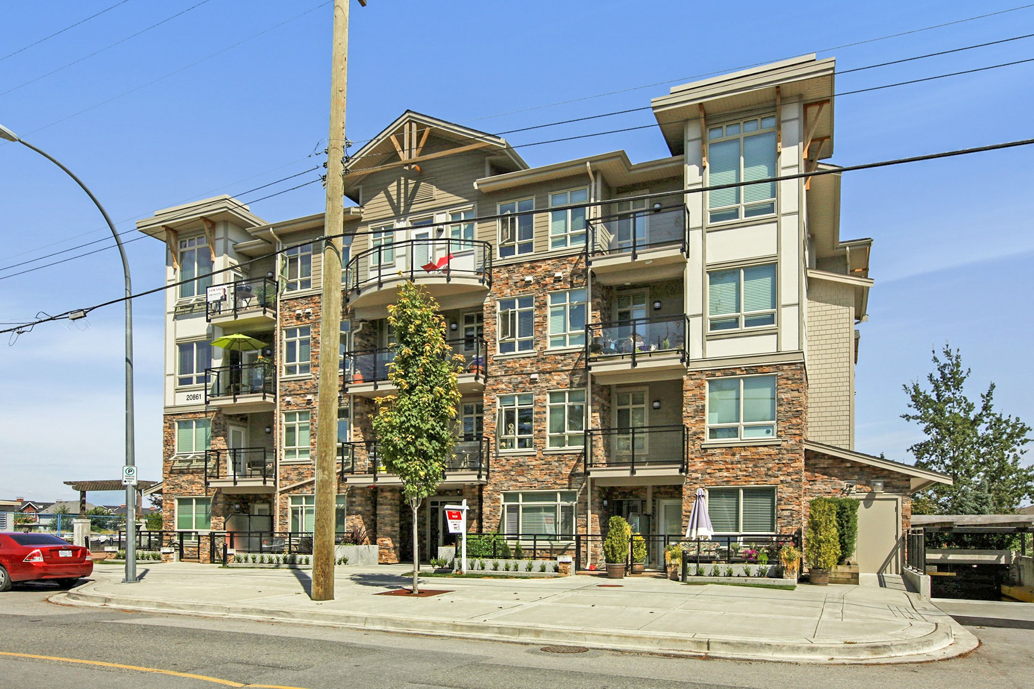 FEATURED LISTING: 403 - 20861 83 Avenue Langley