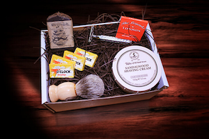 DozenWinks Monthly Wet Shaving Box