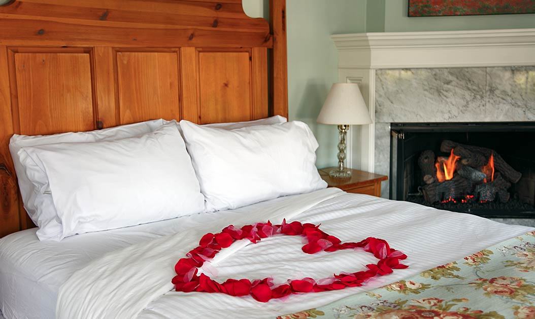 Newport RI Bed and Breakfast Deals - Romance Package