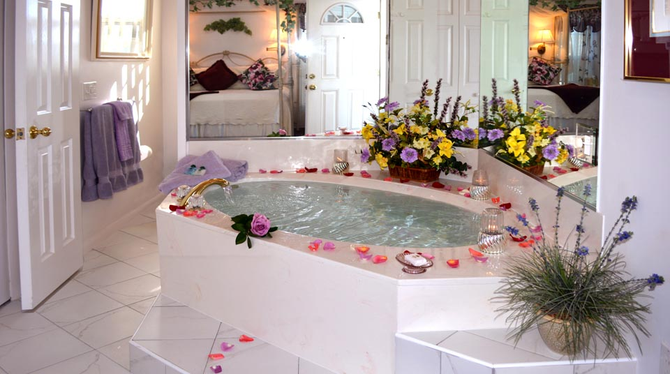 Jacuzzi for Two at Island Cottage Oceanfront Inn and Spa, Flagler Beach, Florida
