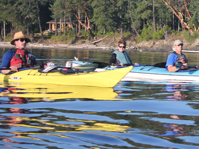 kayaking san juan island with kayak guide