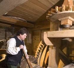 Washington's Distillery® and Gristmill