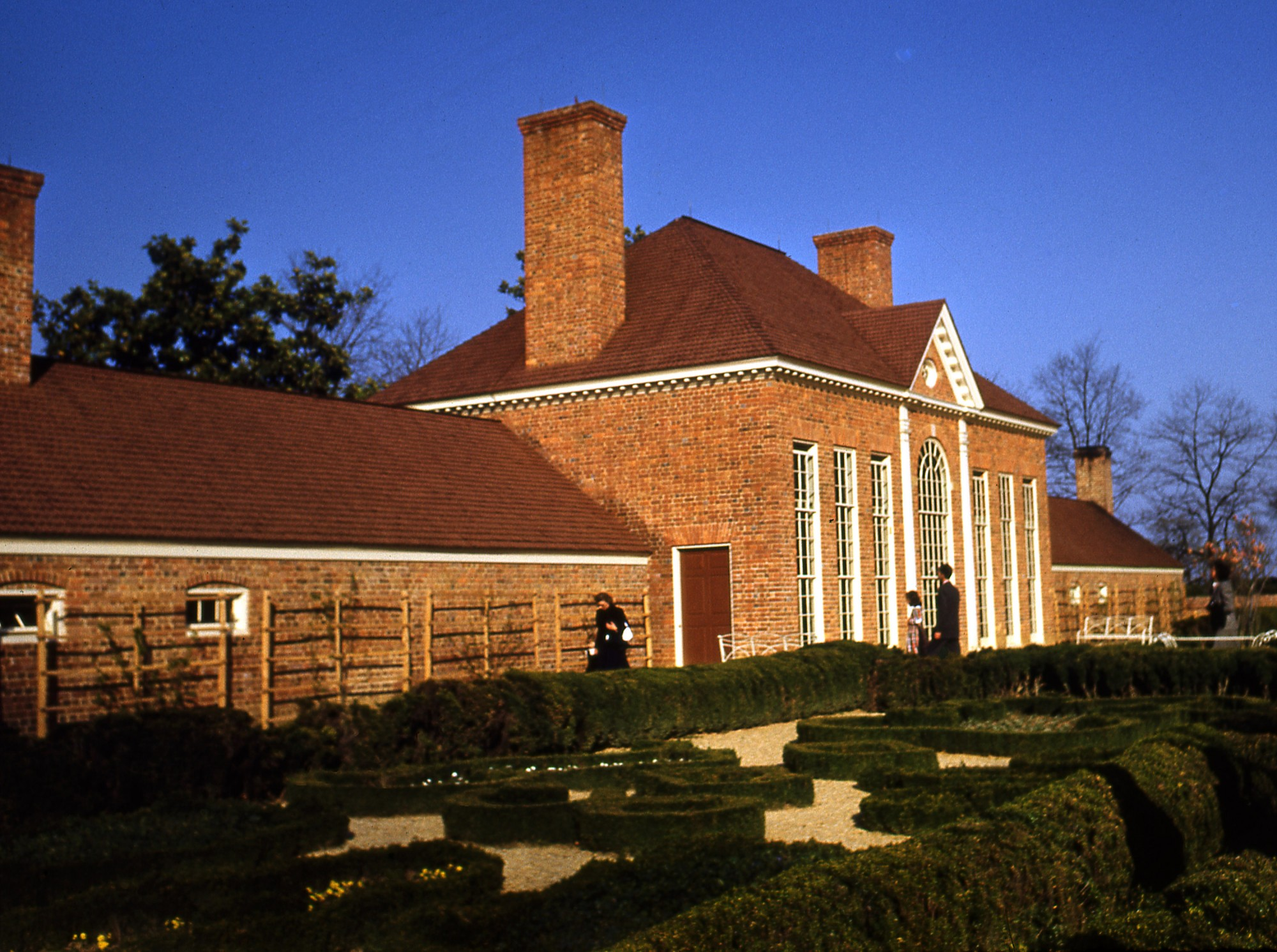 The reconstructed greenhouse slave quarter, which had been destroyed by fire in the 19th century (MVLA)