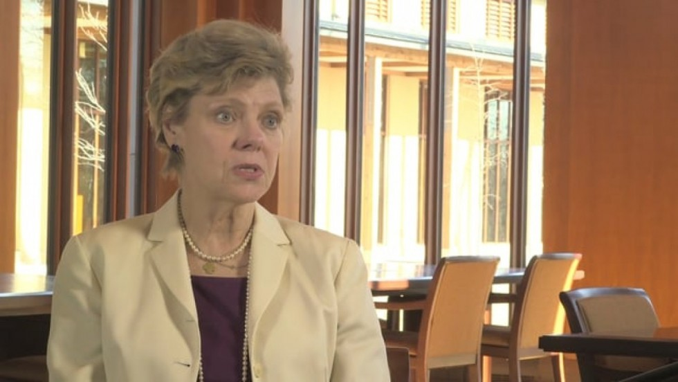 journalist and author Cokie Roberts discusses Martha Washington's role in the revolutionary war