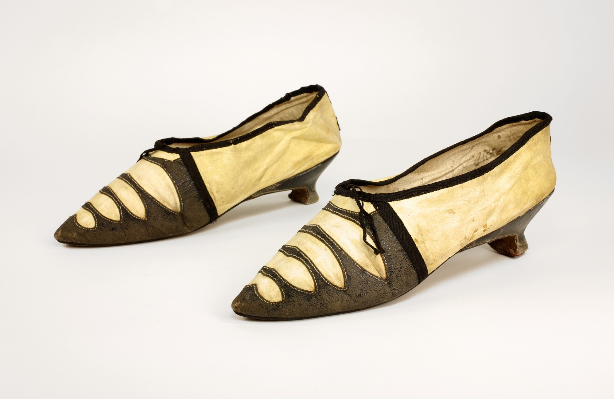 Women S Shoes In Colonial America