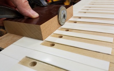 Cutting the decorative scribe line into the natural heads