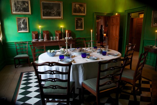 The Washingtons renovate their dining room