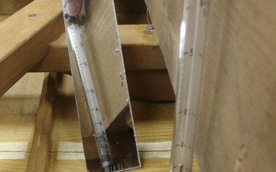 Measuring sound board thickness non-invasivel using a Hacklinger gauge