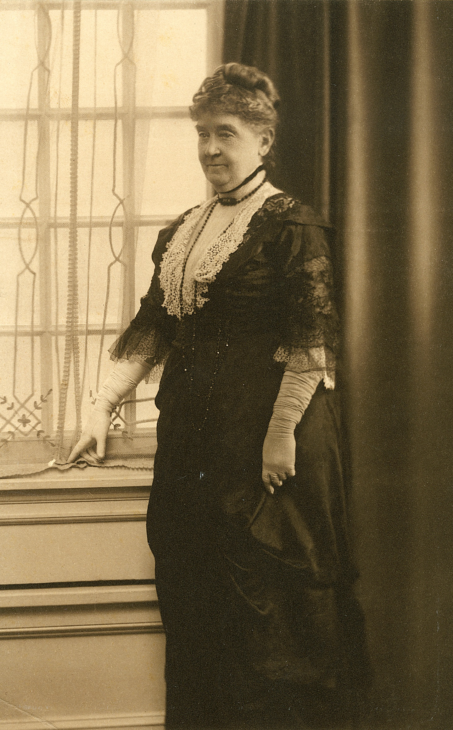 Harriet Comegys served as the Regent of the MVLA during World War I.