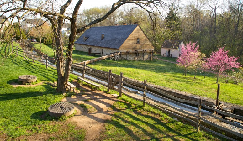 View of the exterior of Washington's Distillery at Mount Vernon – three miles from the estate, this is a must-see for any visitor (Rob Shenk)