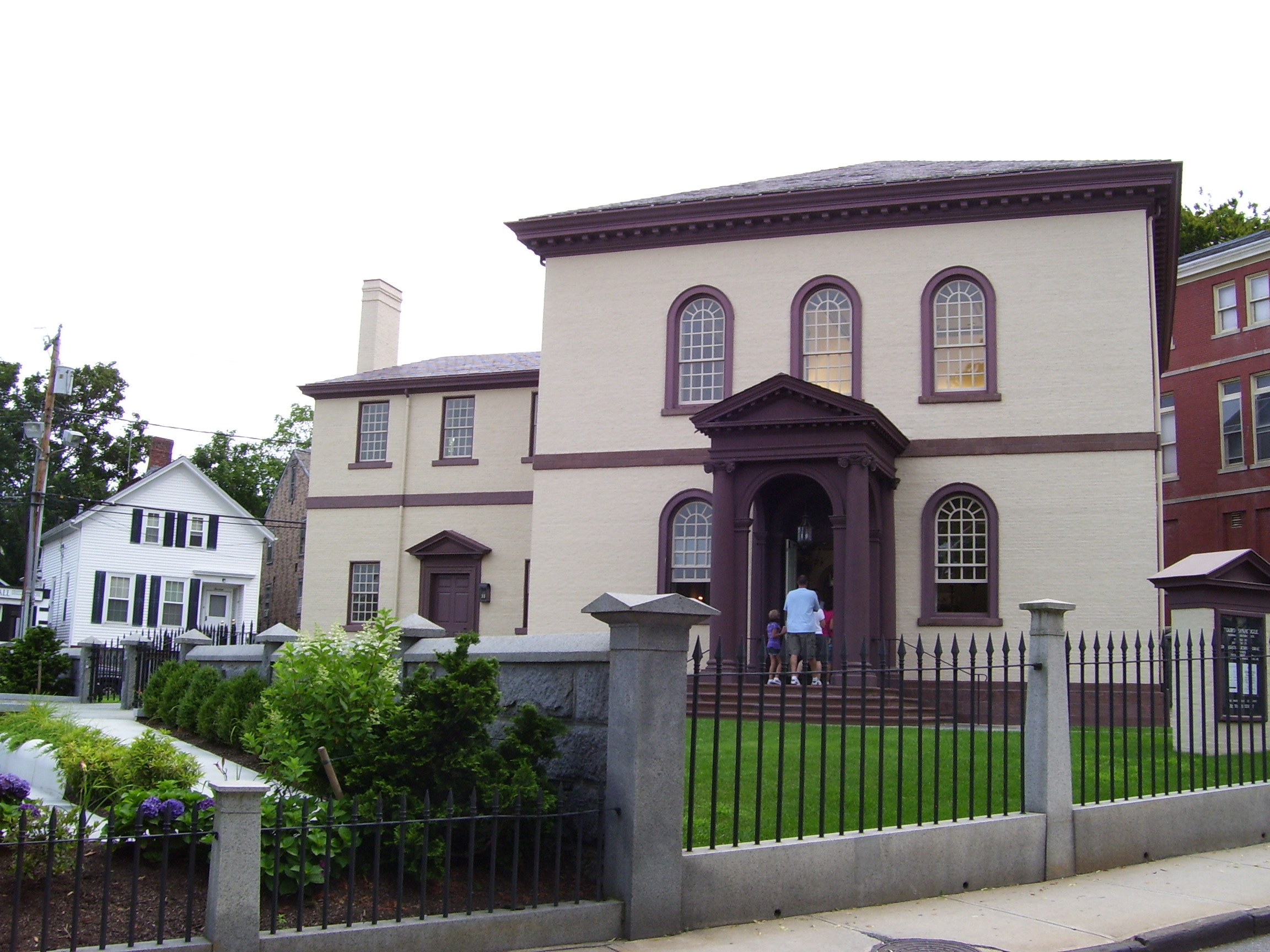 Touro Synagogue in Newport, Rhode Island (Swampyank via Wikimedia Commons)