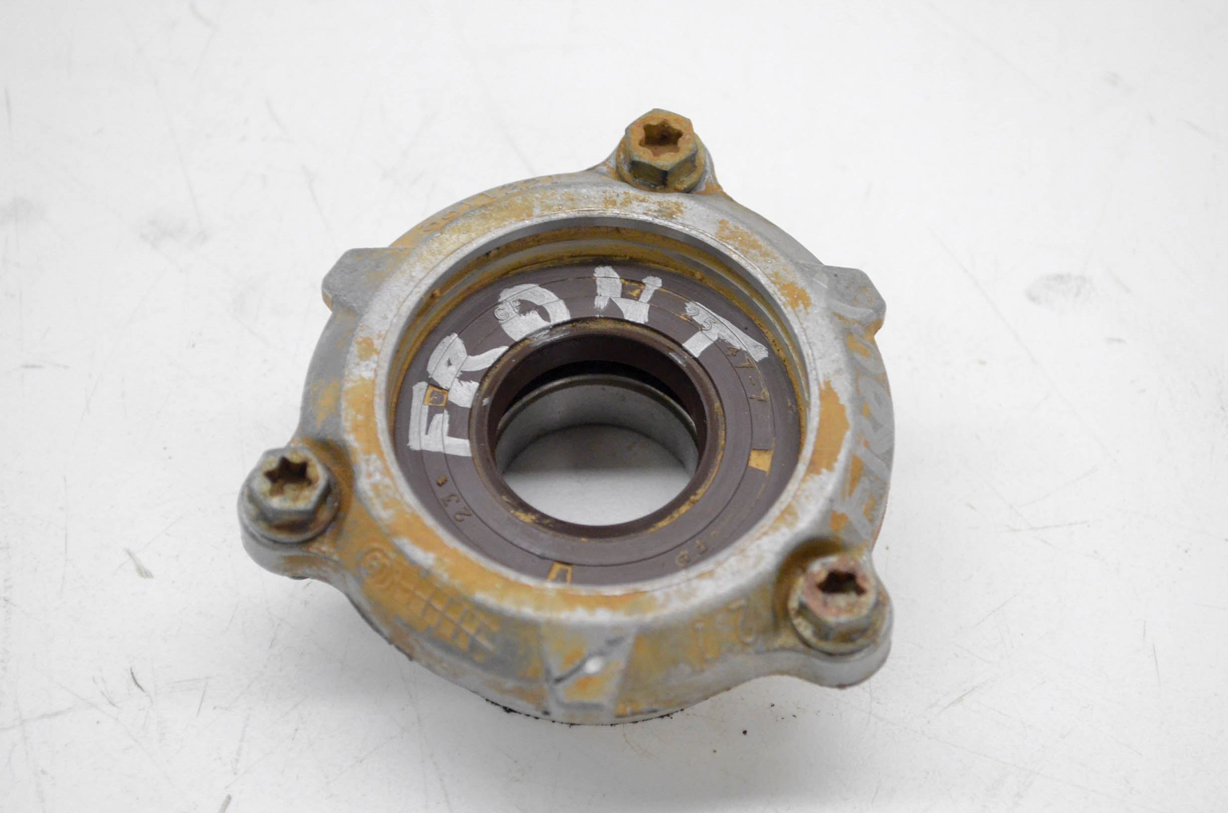 13 Can-Am Outlander 1000 XT 4x4 Front Drive Shaft Bearing Cover