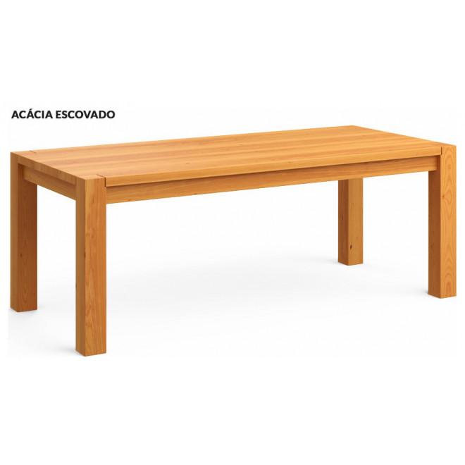 mesa em madeira de reflorestamento