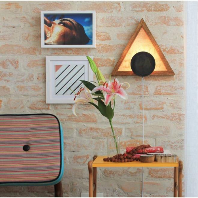 Luminária de Parede em madeira Triângulo