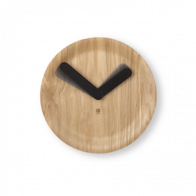 relógio de madeira minimalista