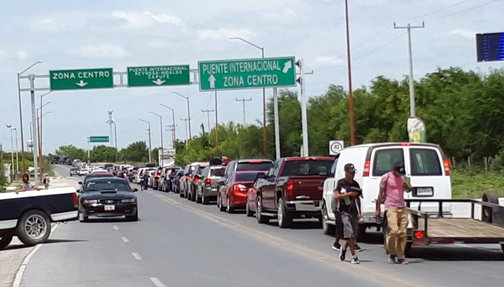 Reportan filas de 4 horas en cruces fronterizos - Diario El