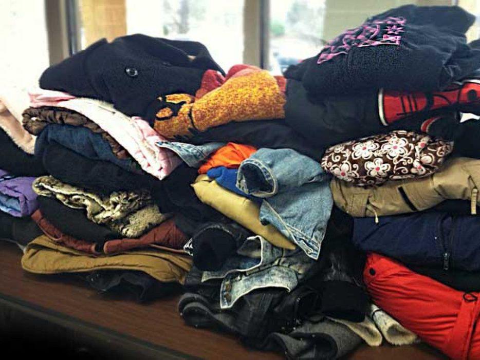 Inician colecta de ropa invernal