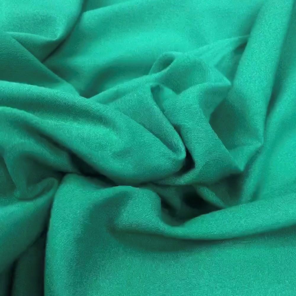 Tecido Crepe Valentino Verde Real - Pantone 3278-C