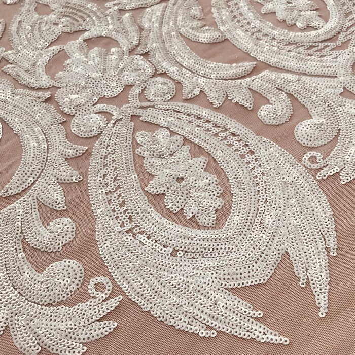 Tecido Tule Bordado Arabesco com Micro Paetês Off White