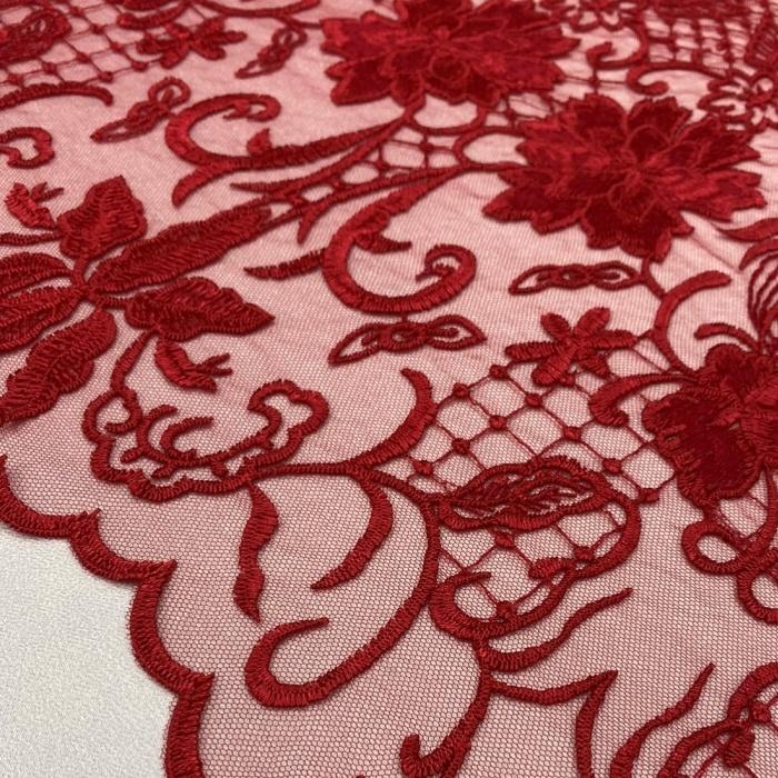 Tecido Tule Bordado Arabescos Vermelho