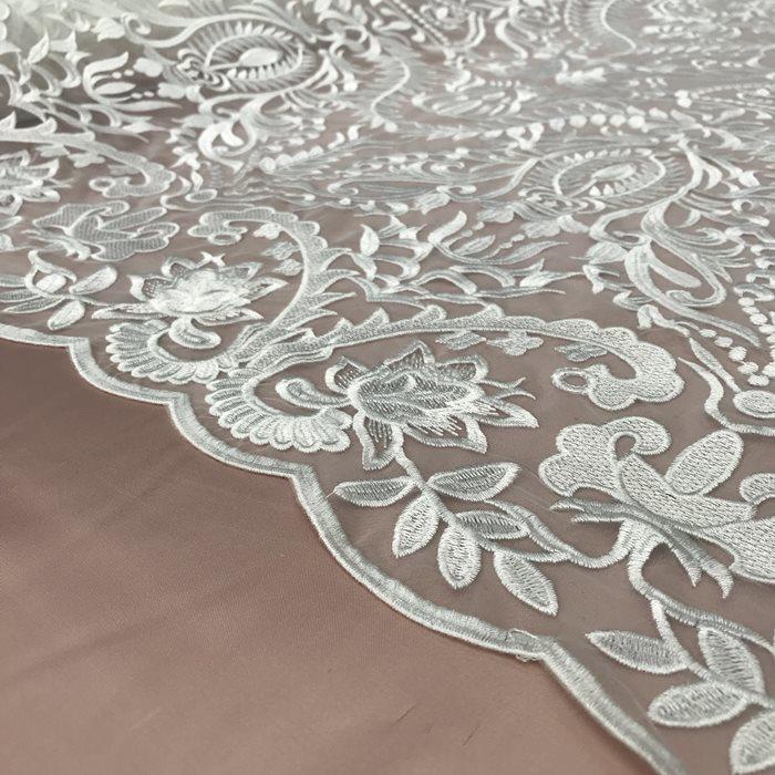 Tecido Tule Bordado Arabesco Branco (Flores)