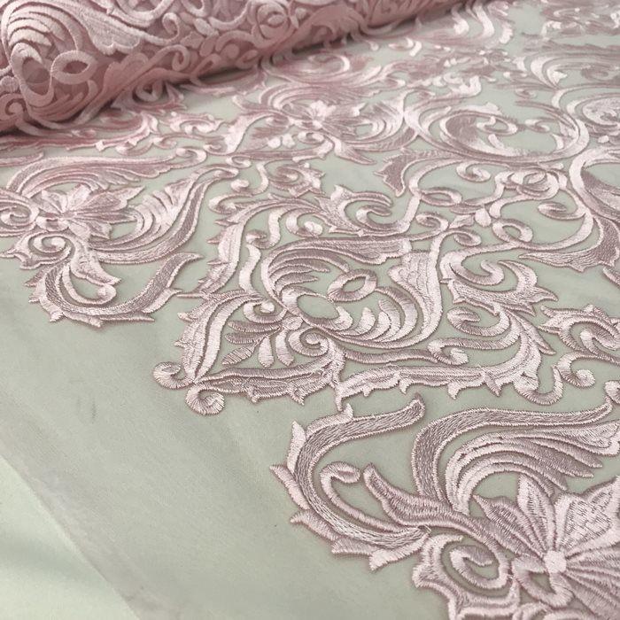 Tecido Tule Bordado com Arabesco em Linha Rosa Bebê