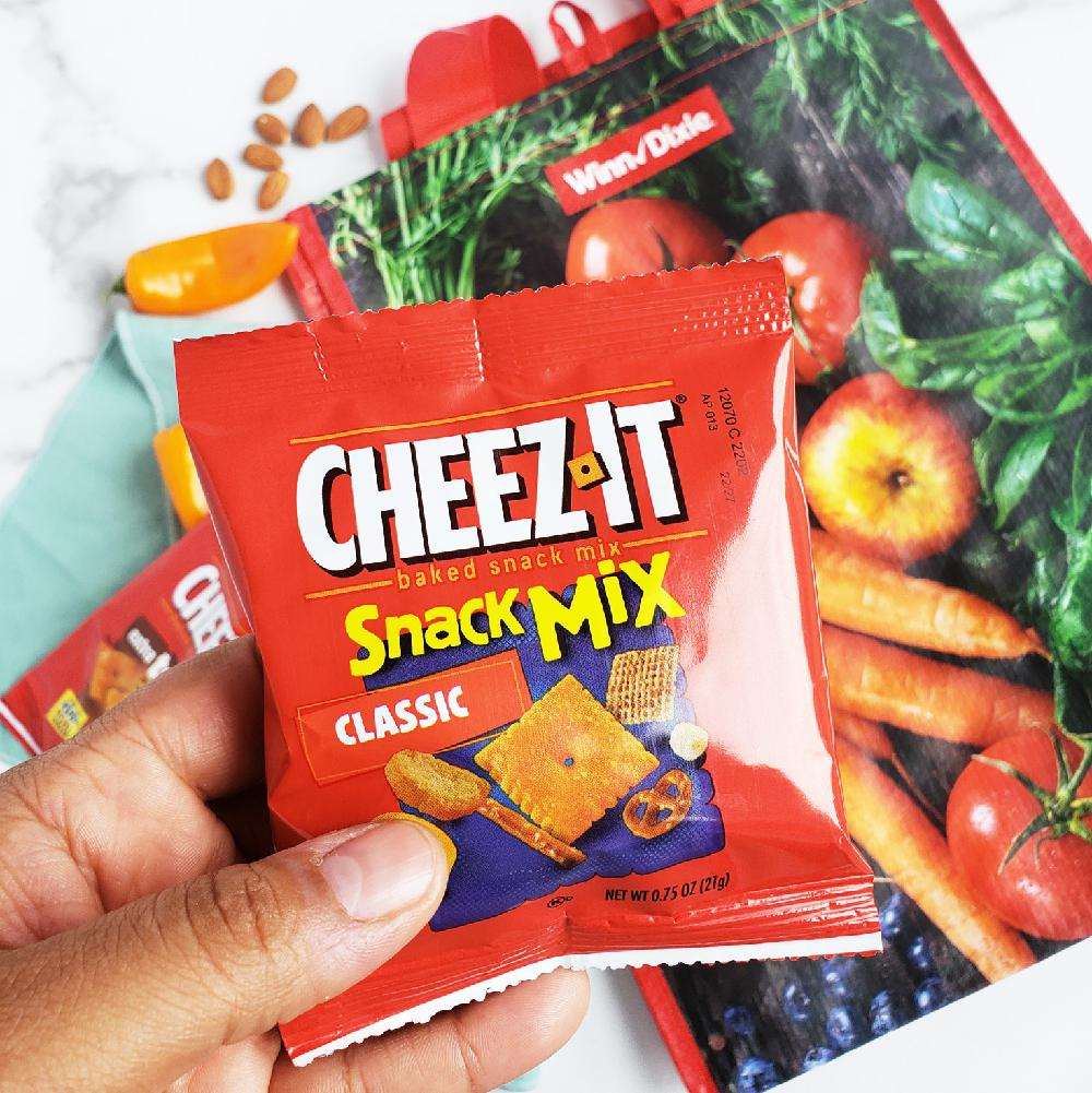 Easy Car Tips for Traveling with Toddlers including Cheez-It snacks. littleeatsandthings.com