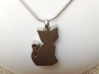 Picture of a Stainless Steel  cremation jewelry with a cat pendant for ashes