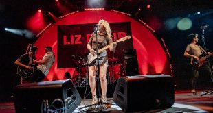 Liz Phair and her band performing at BRIC Celebrate Brooklyn!