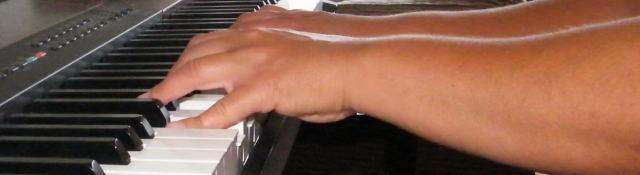 Use A Straight Forearm and Wrist When Playing The Keyboard