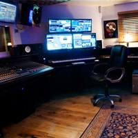 Cheap recording studio for vocalists and musicians