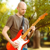 A guitarist with tendonitis guitar finger