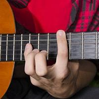 Big stretch chords & licks for guitar players