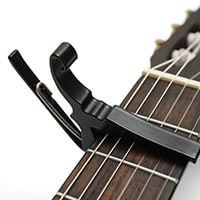 Acoustic capo for guitar, the best tips and techniques