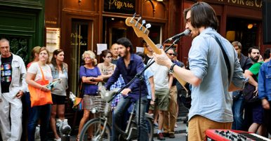 How To Make Money Busking Guitar As A Street Performer