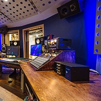 What are the top recording studios in Toronto Canada for rappers?