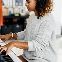 Taking piano lessons in your twenties and thirties