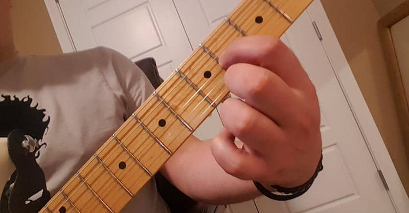 Best way to tune the B string on guitar