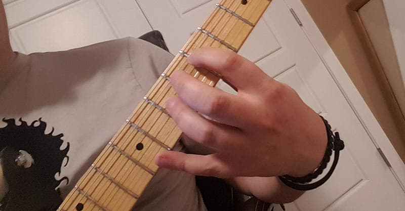Tuning with harmonics - G string