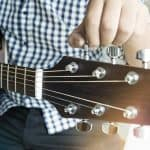 How To Tune A Guitar For Beginners - Both By Ear & With A Tuner